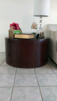 Round Coffee Table.. strong and durable *baby-safe t00!