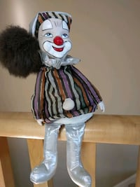 VINTAGE. Porcelain clown - music box