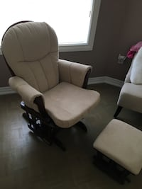 Rocking chair with foot rest Vaughan, L4H 1J8