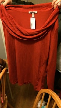 Red long sleeve scoop neck top Knoxville, 37918
