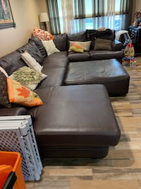Brown Leather Sectional Lindenhurst, 11757