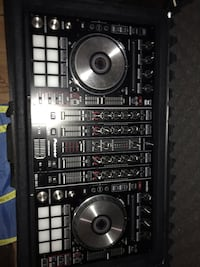 Like new pioneer ddj sx2 with travel case Oakville, L6M 2K6