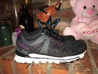 Brand new Reebok running shoes size 9,5  Vancouver, V5R 3J9