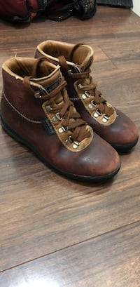 Vintage Goretex hiking booots size 7 women's  Vancouver, V5R