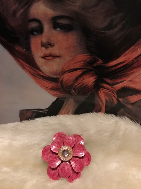 Pretty Vintage Rose/ pink color flower pin