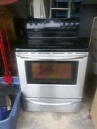 black. Stove and stainless front 5 burners convect Naperville, 60540