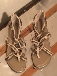 Express sandals size 7  Redding, 96003