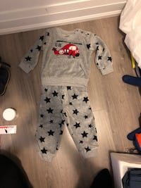 baby's white and gray footie pajama