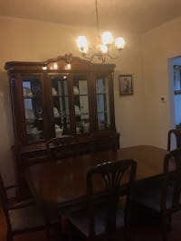Antique Wood Dinning Table with chairs and Glass Cabinet set Toronto, M6G 3Y8