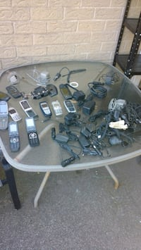 Cell phones & chargers lot Thorold, L2V 4L3