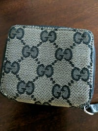 Gucci change pouch (authentic) Toronto, M5V