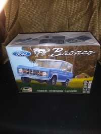 1977 FORD BRONCO MODEL KIT BY REVELL COMPLETE 1/25 SCALE NEW IN BOX