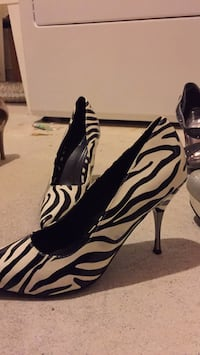 black-and-white zebra print platform stilettos Barrie, L4N 5Z7