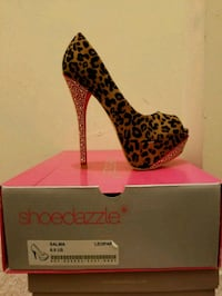unpaired black and brown leopard print stiletto shoe with box Roselle, 07203