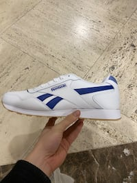 Reebok lux white and blue