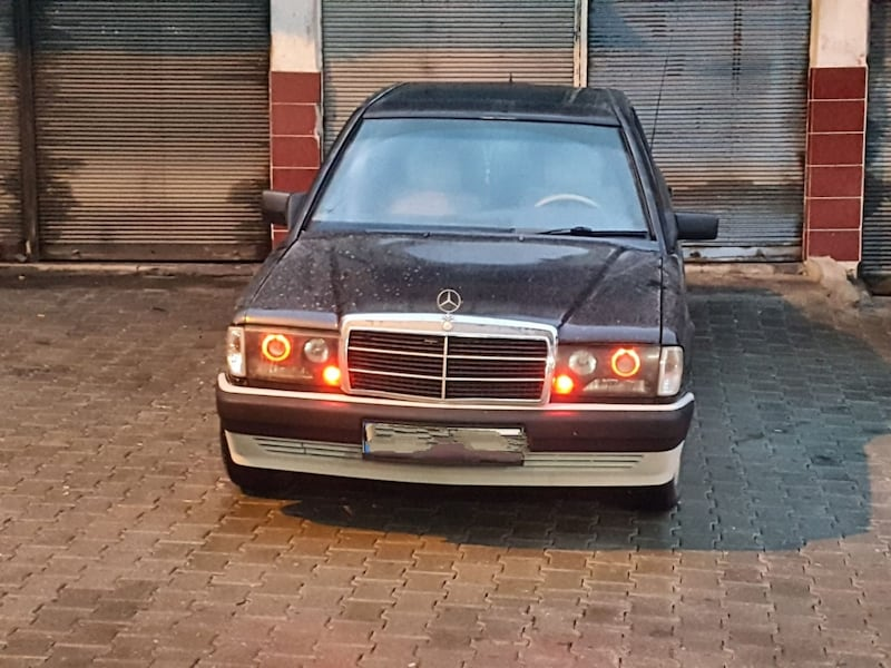W201 Mercedes 190 angel far takım 420285ea-ba2e-40c1-bd04-6465b731cac7