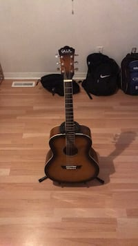 guitar with stand Mississauga, L5N