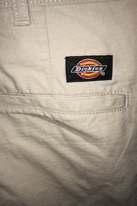 Dickies shorts size 32 never worn Toronto, M9R 1S3