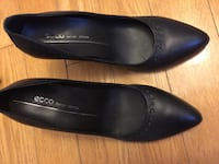 ECCO Pair of black leather heels size US38 Laval, H7X 1V9