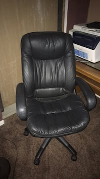 black leather office rolling chair Poway, 92064