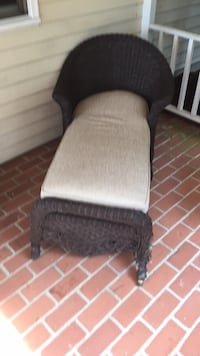 gray and black padded chair Redding, 06896