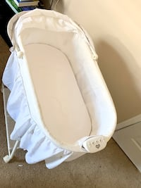 Barely used bassinet