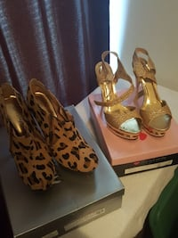 pairs of two leopard pattern heels and gold colore Atlanta, 30349