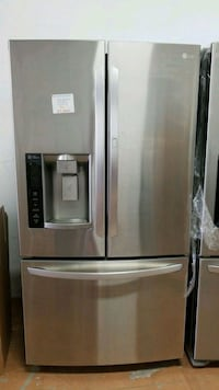 stainless steel french door refrigerator with disp Markham, L3T 1L5