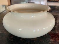 Lenox open bowl/planter with gold trim Sewell, 08080