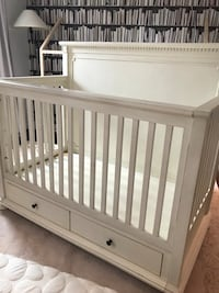 RESTORATION HARDWARE JAMESON CRIB + CONVERSION SET AND MATTRESS!  Vaughan, L4J