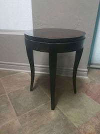 Solid monogamy wood side table Vaughan, L4H 1M4