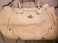 Coach leather purse Watertown, 37184