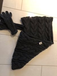 Winter neck wrap and gloves Vaughan, L4J 2H1