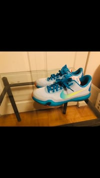 Kobe 10 size 7 brand new no box Toronto, M3C 1R6