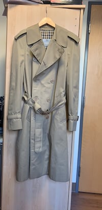 Aquascutum double-breasted trench coat Mississauga, L5L