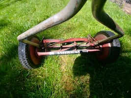 Manual Lawnmower