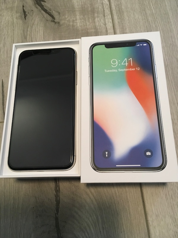 super popular 375a0 c02dd iPhone X 64GB with box and Apple case
