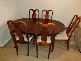 Moving Sale! Dining set for 5