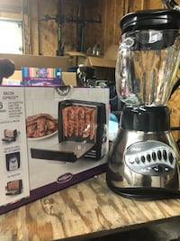 Oster blender and Bacon Express Edmonton, T6L 6S3