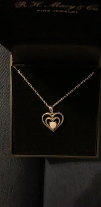 silver chain necklace with heart pendant Oklahoma City, 73132