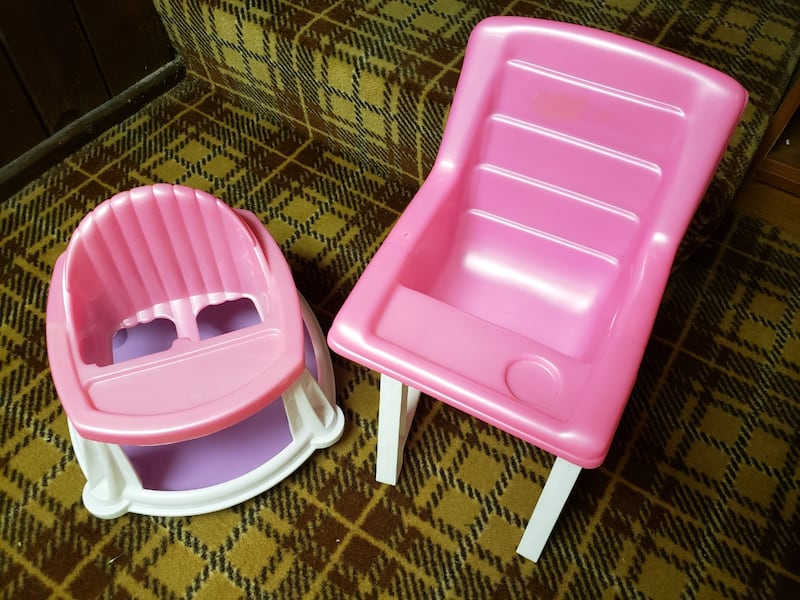 Pink plastic baby doll high chair and walker 06e09b2a-a420-4ee0-bb2a-b554aeb895c8