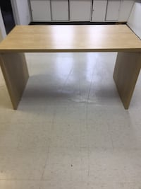 Rectangular wooden table for office use .Perfect for a printer or what ever other office use . Montréal, H3G 1W6