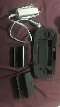 Wii u rubber case w/ charger and stand Los Angeles, 90042