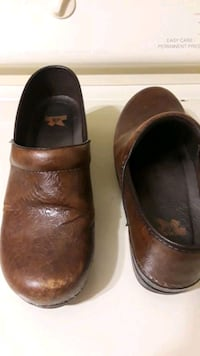 Dansko leather clogs size 39
