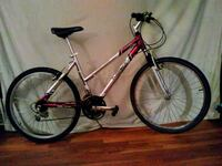 gray and red hardtail mountain bike Bronx, 10473