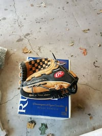 Lefty baseball glove 541 km
