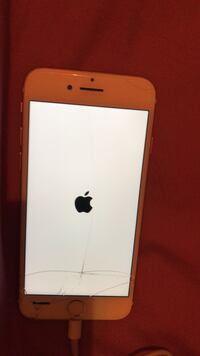 -unlocked Rose gold iPhone 7 64 GB New Westminster, V3M 2X6