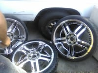 Set of 22' rims and wheels null