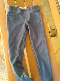 Pants stretchy material size 6