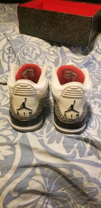 Air Jordan retro 3 white cement. Size 9.5 Milton, L9T 0Y8